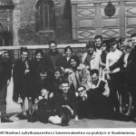 lata 60 Studenci zabytkoznawstwa i konserwatorstwa na praktyce w Sandomierzu (FILEminimizer)